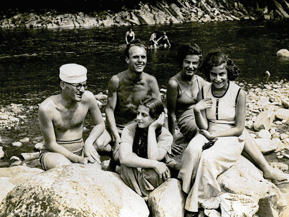 Stefan Borsukiewicz ze znajomymi w Szkocji, 1941 lub 1942 rok
