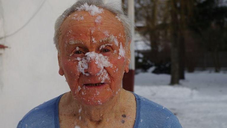 Antoni Huczyński hartuje się śniegiem