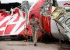 Airbus AirAsia eksplodowa� po uderzeniu w wod� z powodu ci�nienia? Sprzeczne ustalenia