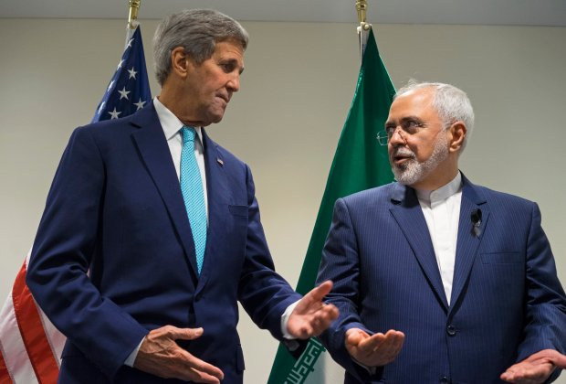 Ameryka spłaca Iran, Trump wietrzy spisek