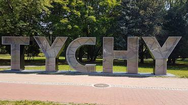 Urząd Miasta w Tychach wydał ponad 30 tys. zł na napis Tychy, który stanął przy al. Niepodległości
