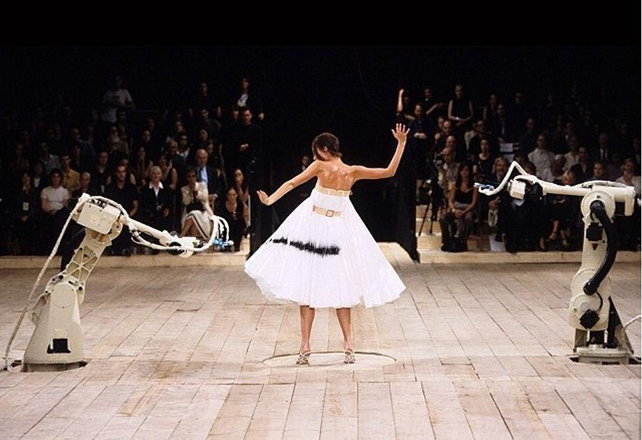 Alexander McQueen - pokaz No.13