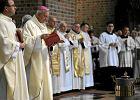 Abp Paetz podczas mszy w Wielki Czwartek