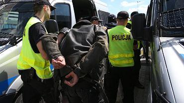 Ćwiczenia policji (zdjęcie ilustracyjne)