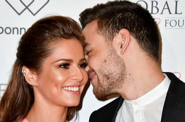 """Cheryl Cole pokazała się publicznie pierwszy raz od nasilających się w ostatnim czasie plotek o ciąży. Brytyjskie media piszą o """"wyraźnych krągłościach""""."""