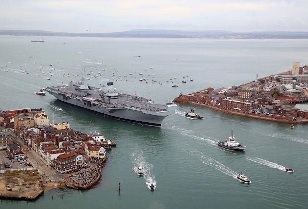 HMS Queen Elizabeth w porcie Portsmouth