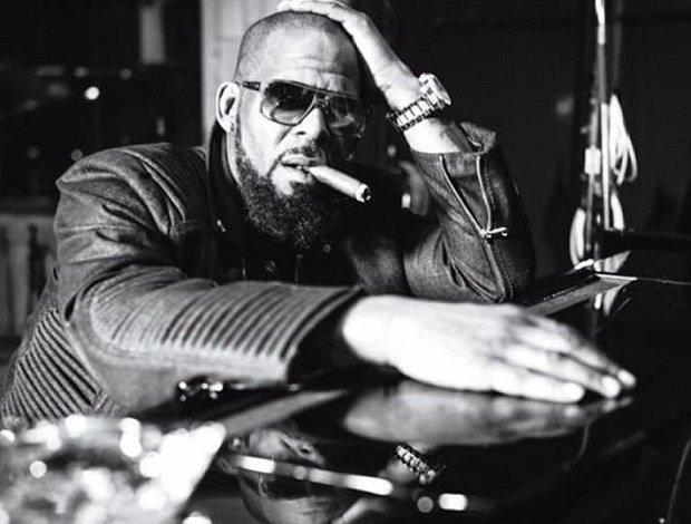 """R. Kelly opublikował nową piosenkę. Do sieci trafił numer """"Wake Up Everybody""""."""