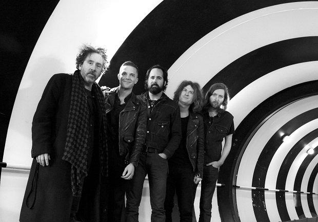 Brandon Flowers uważa, że odwoływanie koncertów to nie najlepsza reakcja na ataki terrorystyczne w Paryżu. Wokalista The Killers ma nadzieje, że ludzie nie przestaną chodzić na koncerty.