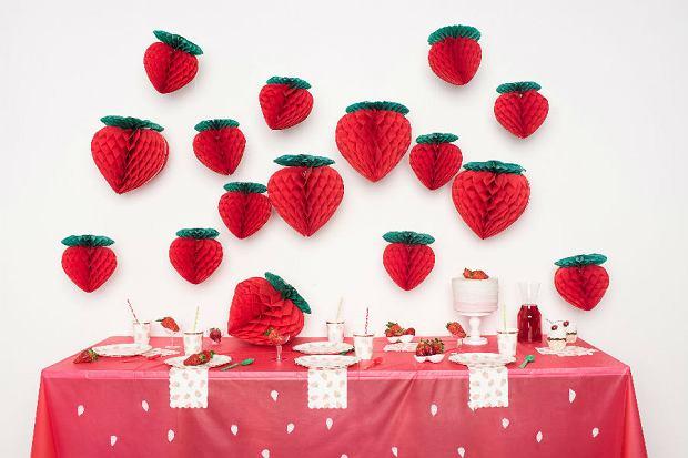 Strawberry party - rozpoczynamy sezon na truskawki [AKCESORIA]
