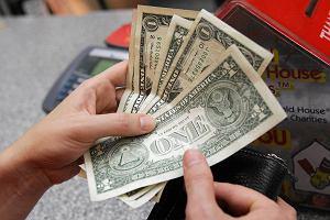 Kurs dolara wystrzeli�. Ameryka�ska waluta najdro�sza od 11 lat