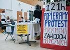 """Wrze w budżetówce: w piątek """"czarny protest"""" zawodów medycznych, do strajku szykują się policjanci"""