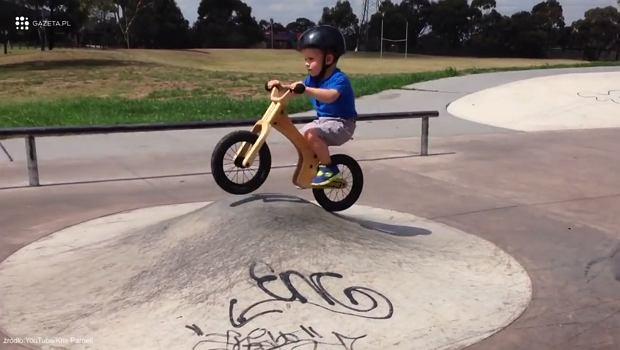 Dzieci na rowerach