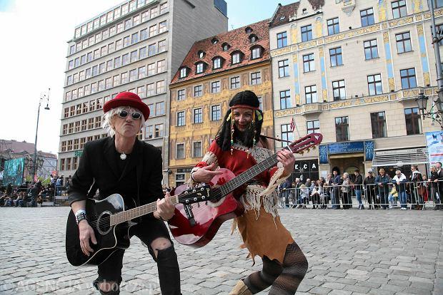Ruszył Gitarowy Rekord Guinnessa. Znów zbudujemy wielką gitarę z gitar [FOTO, WIDEO]