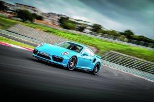 Budzenie bestii - jazda Porsche 911 Turbo S