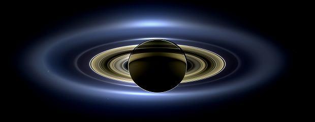 Saturn - mozaika ze zdjęć sondy Cassini, wykonanych 19 lipca 2013 r.