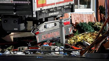Ciężarówka wjechała w jarmark świąteczny w Berlinie.