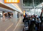 Lotnisko Chopina: policjanci zatrzymali kobietę za kradzież kosmetyków. Bułgarskie media: to nasza była ambasador w USA