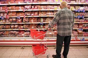 Deflacja na leciutkim hamulcu. Nowe prognozy NBP