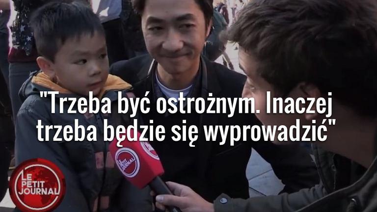 Tata tłumaczy małemu synkowi, co stało się w Paryżu