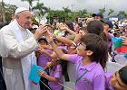 """Papież w Kolumbii namawiał do pojednania po 50 latach wojny domowej. I mówił, że przemoc wobec kobiet to """"skutek samczej kultury"""""""