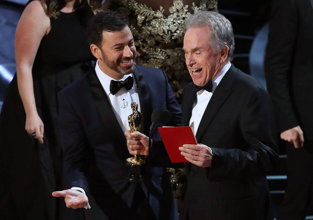 Jimmy Kimmel i Warren Beatty / fot. LUCAS JACKSON / REUTERS