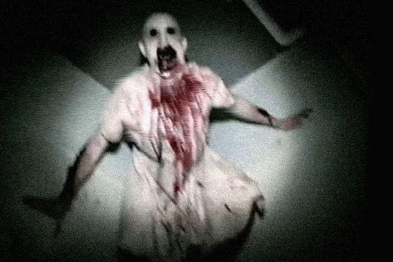 Kadr z jednego z zagadkowych filmów prezentowanych w Dark Necie