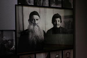Twarze ludzi na zdjęciach z lat 1918-1939. Świat utracony na wystawie w Muzeum Narodowym
