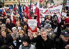 Izabela Leśkiewicz, Magdalena Siemiątkowska i Małgorzata Serafin zwolnione z TVP Info. Poszło o relację na żywo z sobotniego marszu KOD