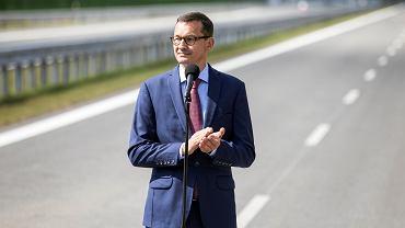 Premier rządu PiS Tadeusz Morawiecki podczas uroczystego otwarcia obwodnicy Puław. 21 sierpnia 2018