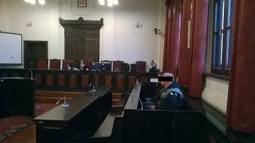 Proces chuliganów oskarżonych o pobicie na tle narodowościowym