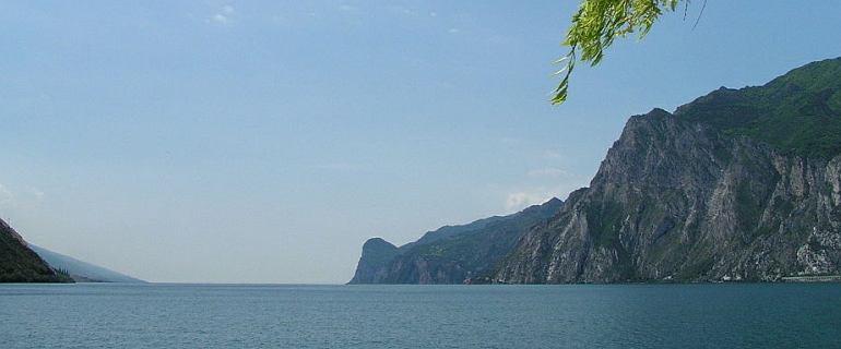 Polski nurek zaginął w Jeziorze Garda we Włoszech. Chciał pobić rekord w głębokości nurkowania