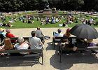 Od 55 lat warszawiacy chodz� na koncerty pod pomnik Chopina