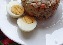 Sałatka ryżowa z cieciorką i tuńczykiem - ugotuj