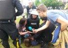 """Córka radnej PiS zatrzymana podczas starć narodowców z policją. """"Grzeczną dziewczynkę mi zabrali"""""""