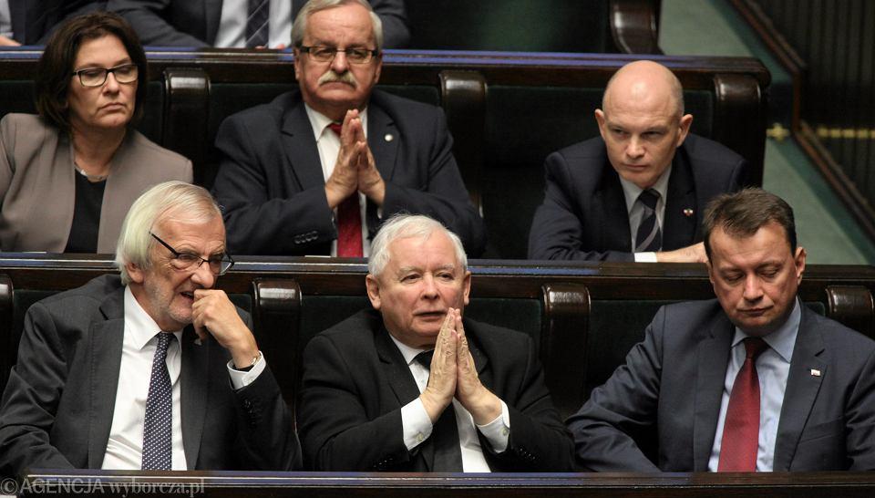Leonard Krasulski siedzi w Sejmie tuż za prezesem Jarosławem Kaczyńskim