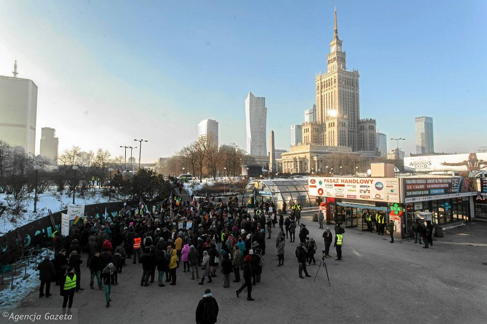 Zdjęcie numer 12 w galerii - Wiec w centrum Warszawy. Skandowali