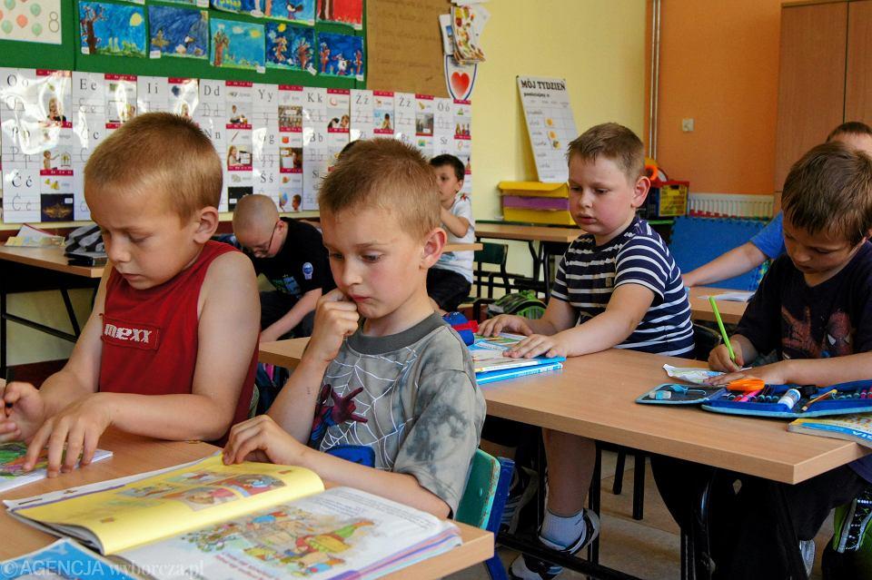 Sześcio- i siedmiolatki w klasie mieszanej w SP nr 10 w Bydgoszczy