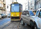 Auta blokują tramwaje. Czy nie da się ich szybciej usuwać?