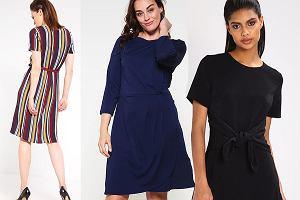 Sukienki do 100 zł w modnych stylizacjach