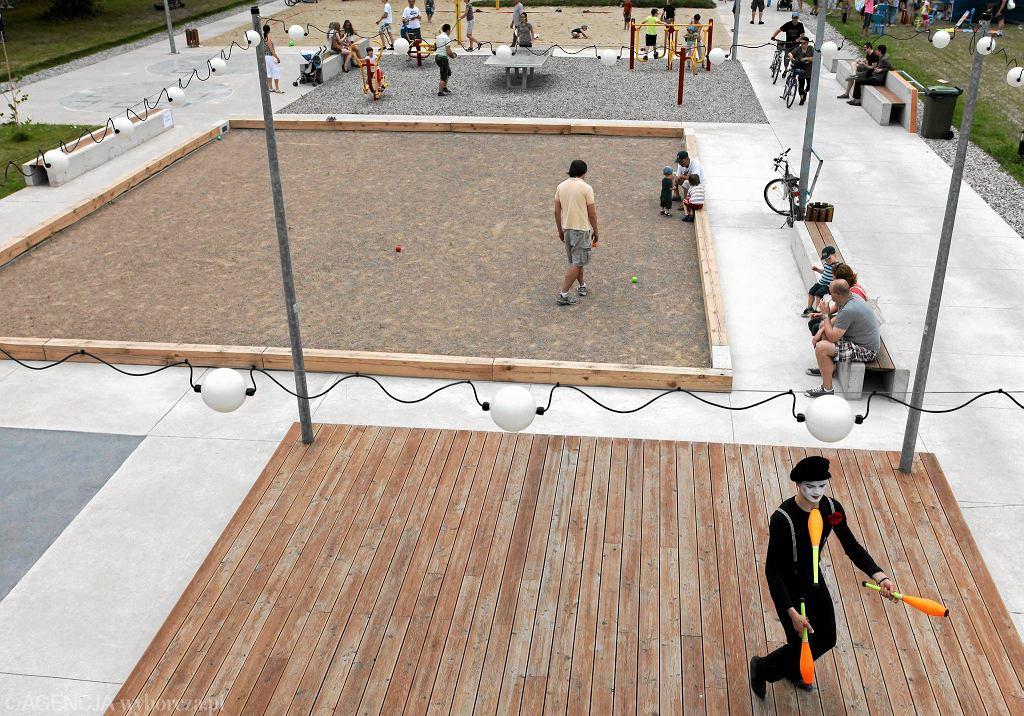 Aleja Sportów Miejskich na Bemowie