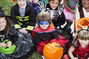 Maski na Halloween: jak zrobić, gdy nie znajdziemy maski do wydrukowania?