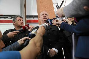 Strażacy zginęli, bo zawalił się podwieszany sufit. Hurtowni nie powinno tam być