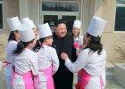 """Kim Dzong Un formuje swoj� """"dru�yn� rozkoszy"""". M�ode kobiety b�d� zabawia� dyktatora"""