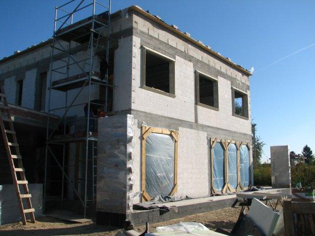 Kupić stary dom czy budować nowy?