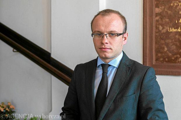 """Awantura na sesji o preambułę Konstytucji RP. Radni PiS """"To skandaliczna dyskusja"""""""