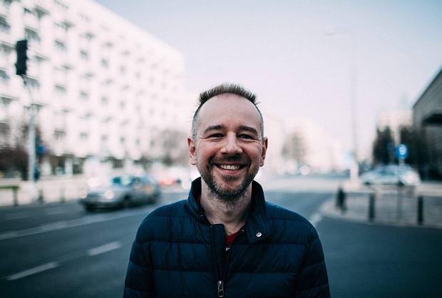 """Kluby LGBTQ maj� kr�tkie �ycie. O homoseksualnej Warszawie opowiada autor """"Homobiografii"""""""