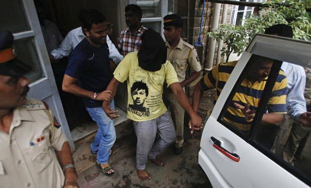 Zbiorowy gwa�t na m�odej fotoreporterce w Bombaju. Aresztowano wszystkich podejrzanych