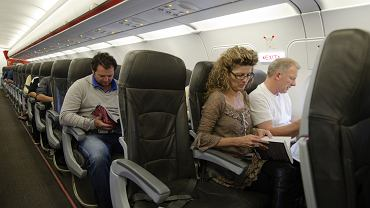 Zanim zmienimy miejsce w samolocie, zapytajmy o zgodę personel pokładowy