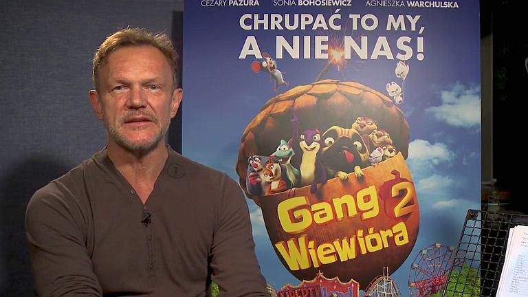 Cezary Pazura na planie dubbingu 'Gang Wiewióra 2'