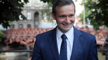 Michał Jaros stracił rekomendację dolnośląskich struktur N. w walce o prezydenturę Wrocławia. Poseł zapewnił jednak, że z kandydowania nie rezygnuje.